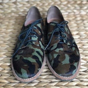 Vince Camuto Nilee Leather Oxford Classic Camo